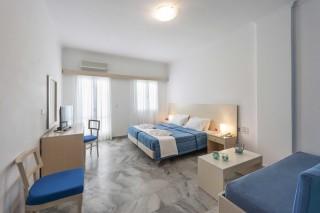 accommodation narges hotel quadruple room