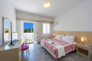 double-rooms-narges-hotel-luxury-bedroom