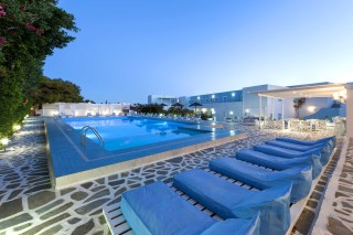 narges luxury hotel in paros